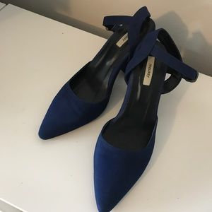 Moussy electric blue high heels